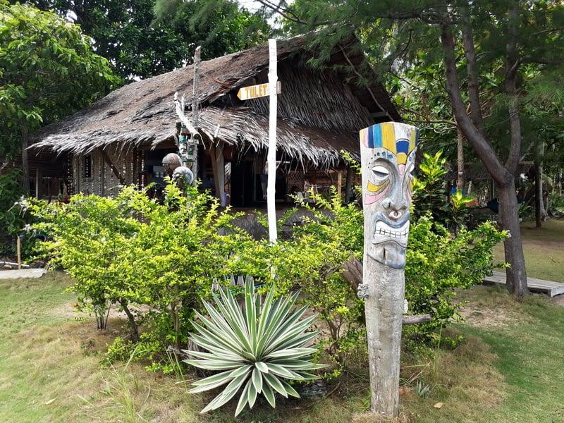 Bunga jabe penginapan unik desa kemojan kecamatan karimunjawa