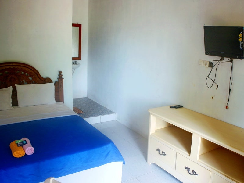 Kamar tipe executive rom Sunrise Sea Hill View Village Karimunjawa
